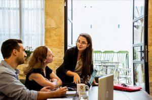 צילומי תדמית לעסקים מה חשוב לדעת באמת