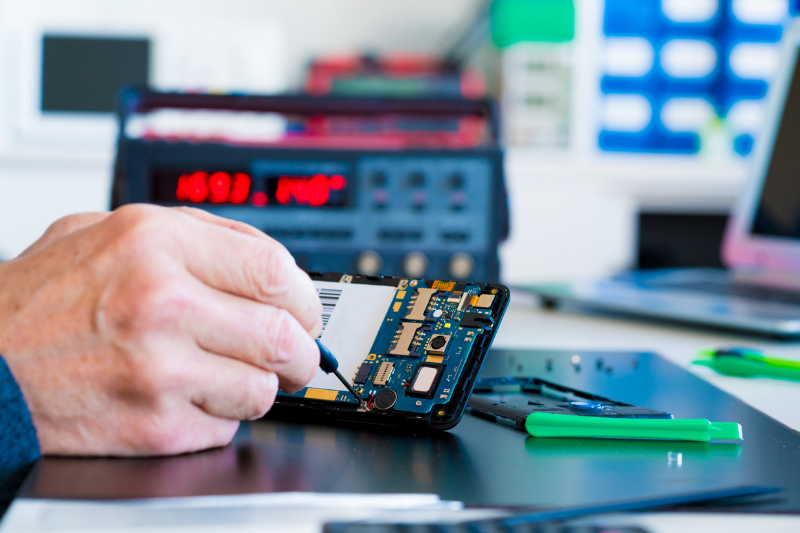 טכנאי סלולרי זמין ומקצועי